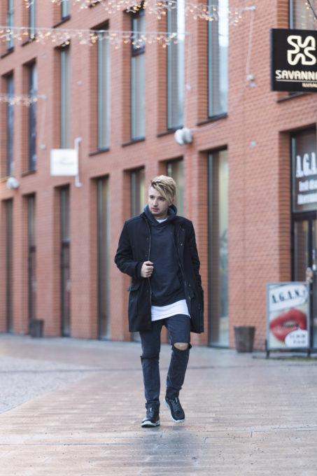 ECCO jalatsid ja õlakott, modelliks Artjom Savitski