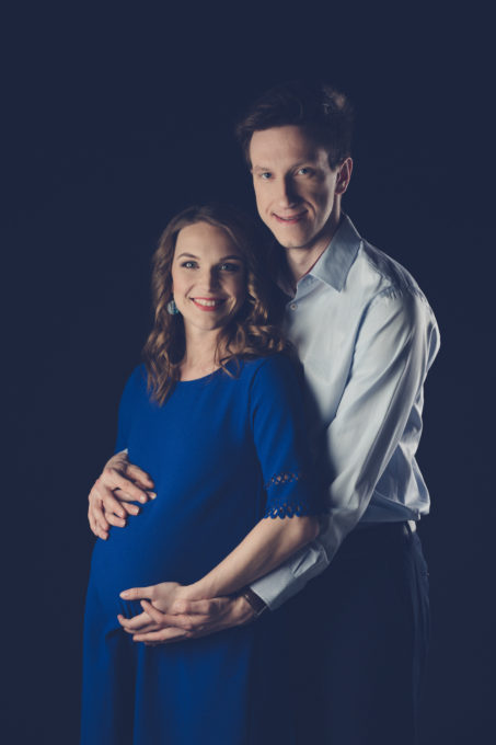 Fotosessioon koos beebiootel noore perega