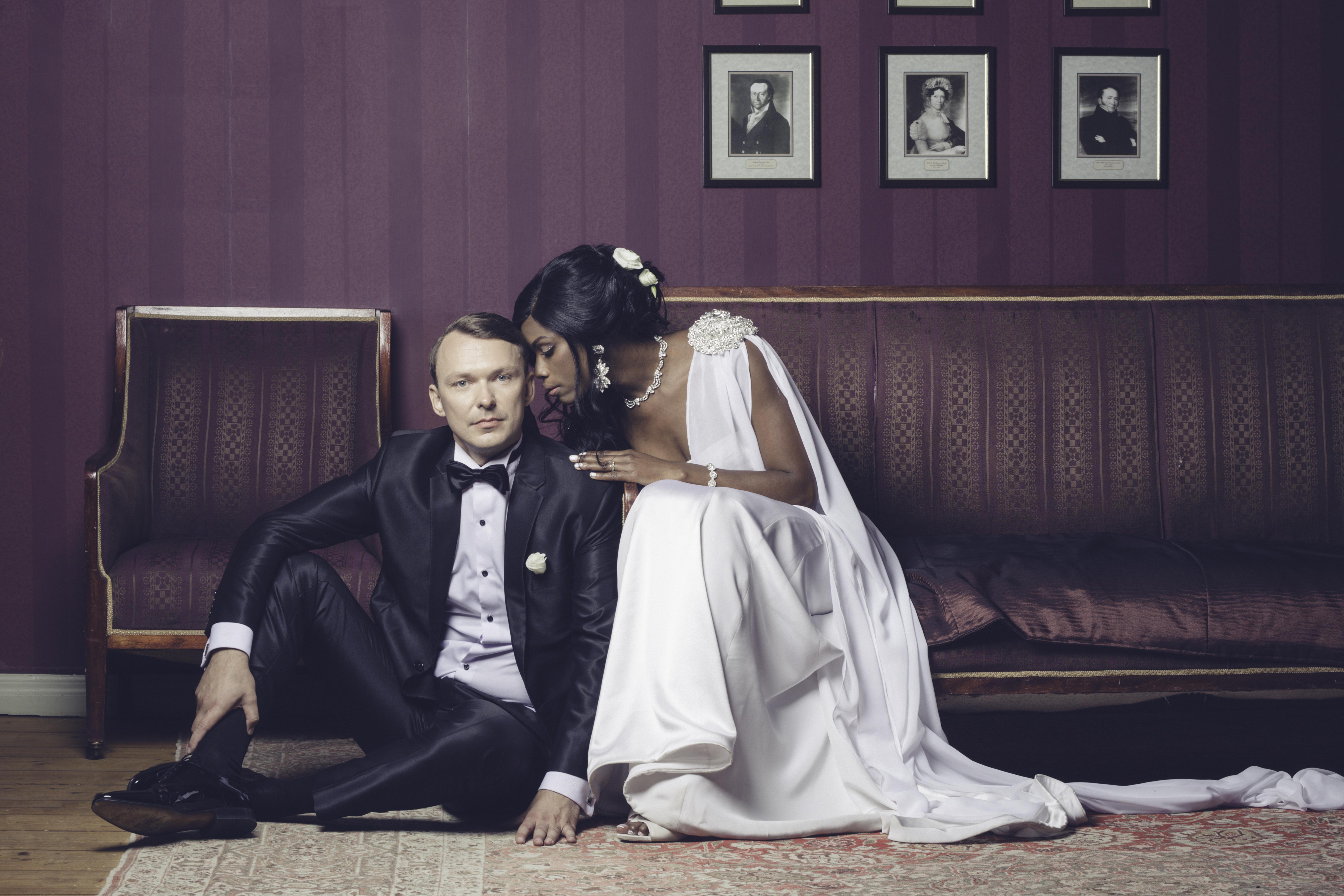 pruutpaar Sagadi mõisa interjööris
