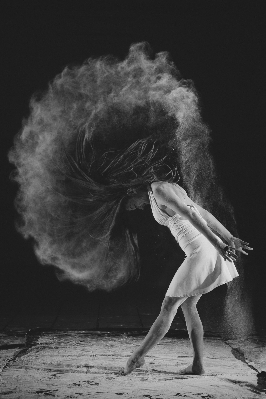 tantsu portree naine
