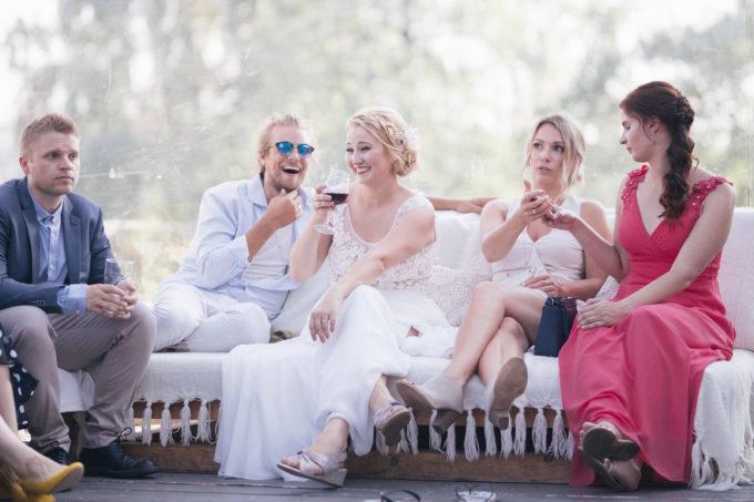 Pulmakülalised pulmapeol